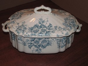 "Moore, Leason & Co. Tureen ""Marion"""