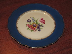 "Tettau G.m.b.H. Royal Bayreuth Salad Plate ""Ardalt Royal Blue"" - Bavaria"