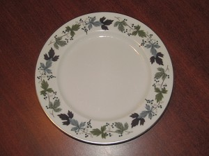 "Royal Doulton Luncheon Plate ""Burgundy"" - TC1001"